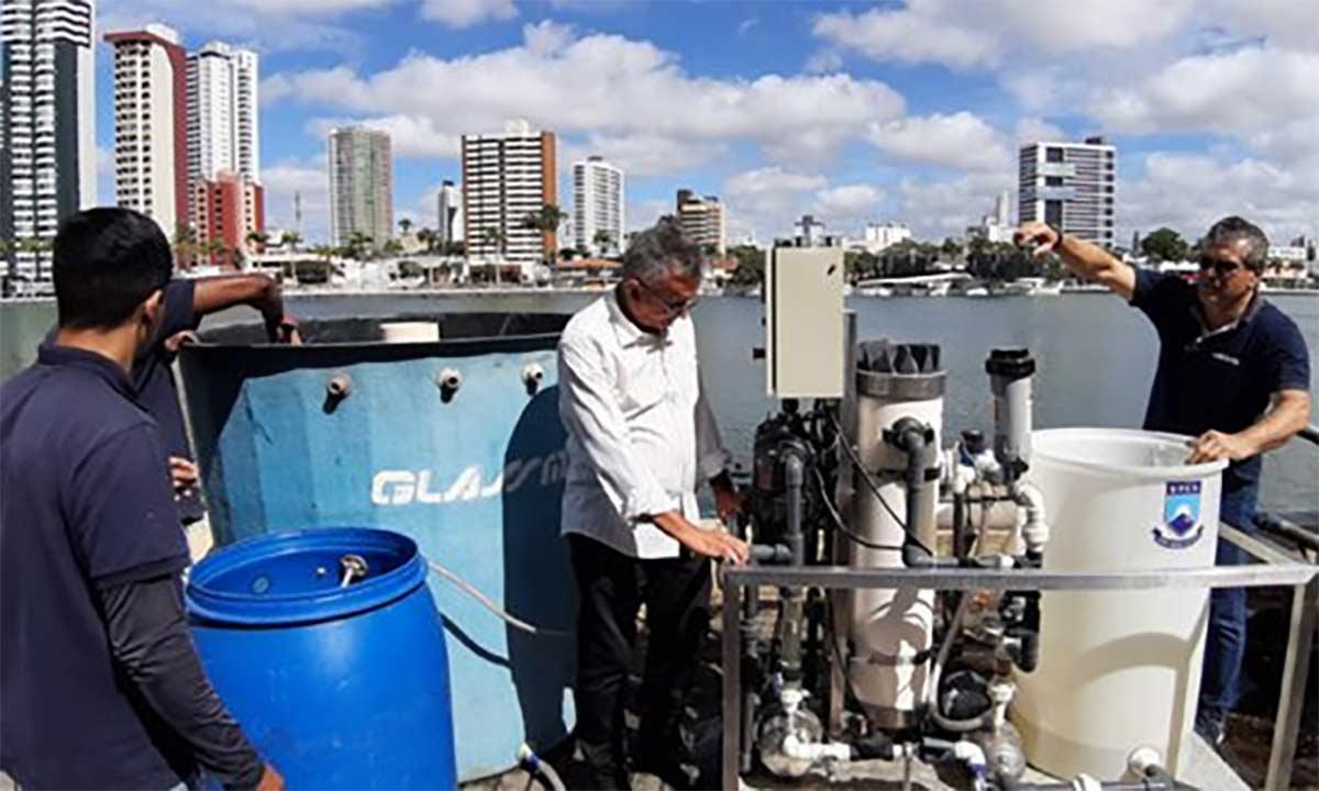 Máquina purifica até 2.700 litros de água poluída por hora