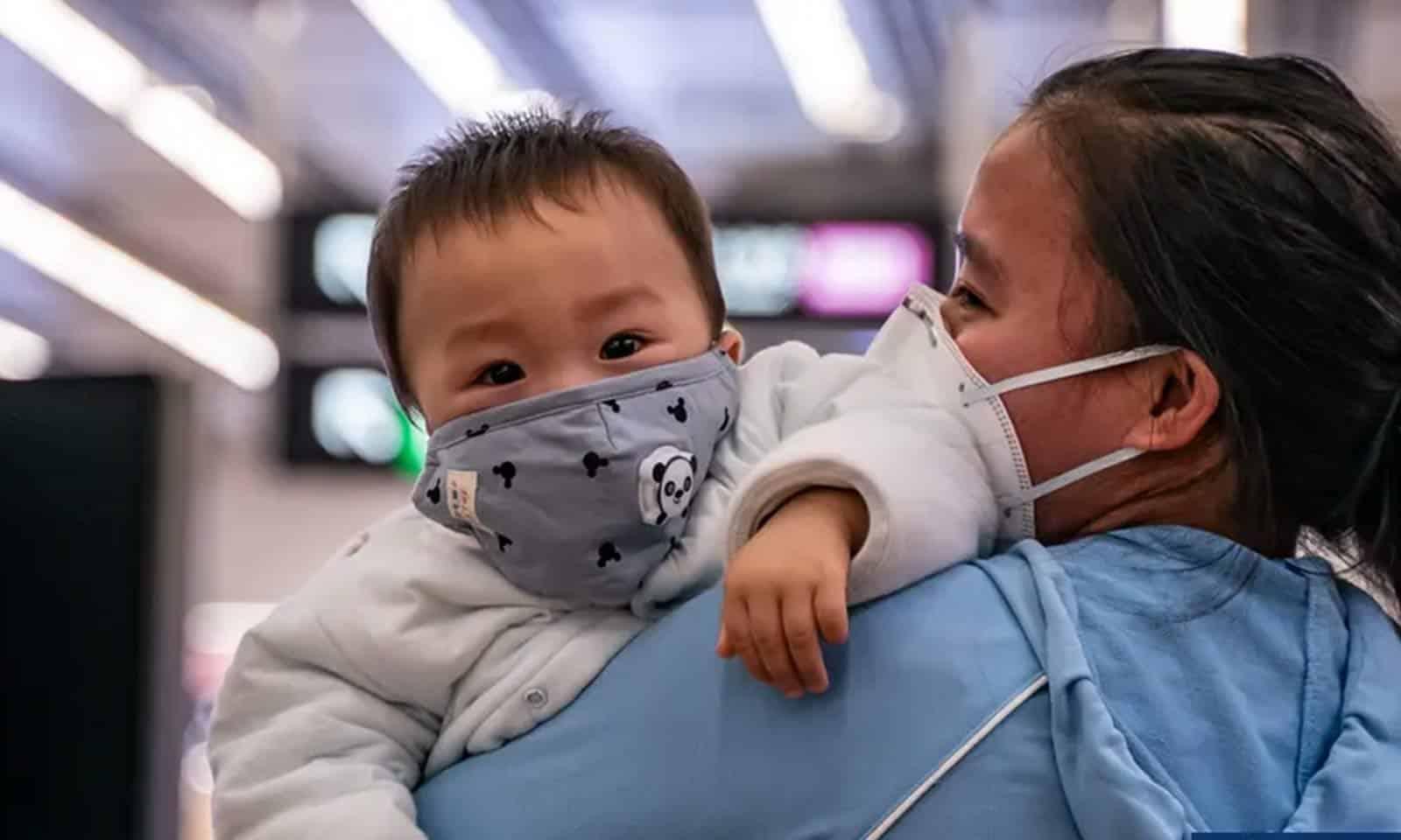 Coronavírus: Bebê recém-nascido infectado em Wuhan indica possível transmissão no útero